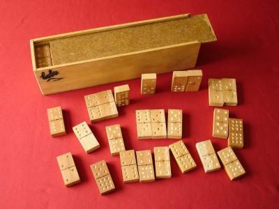 Kubako dominoa